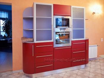 Кухонный шкаф - пенал для встроенной техники с комбинированным фасадом и выдвижными ящиками