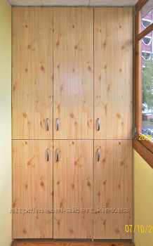 Встроенный шкаф для балкона